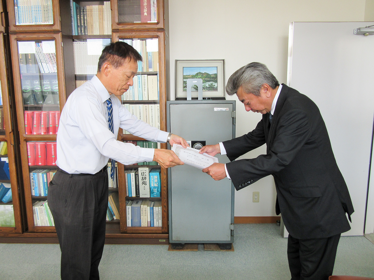 厚生労働省から無災害記録証を授与いただきました。