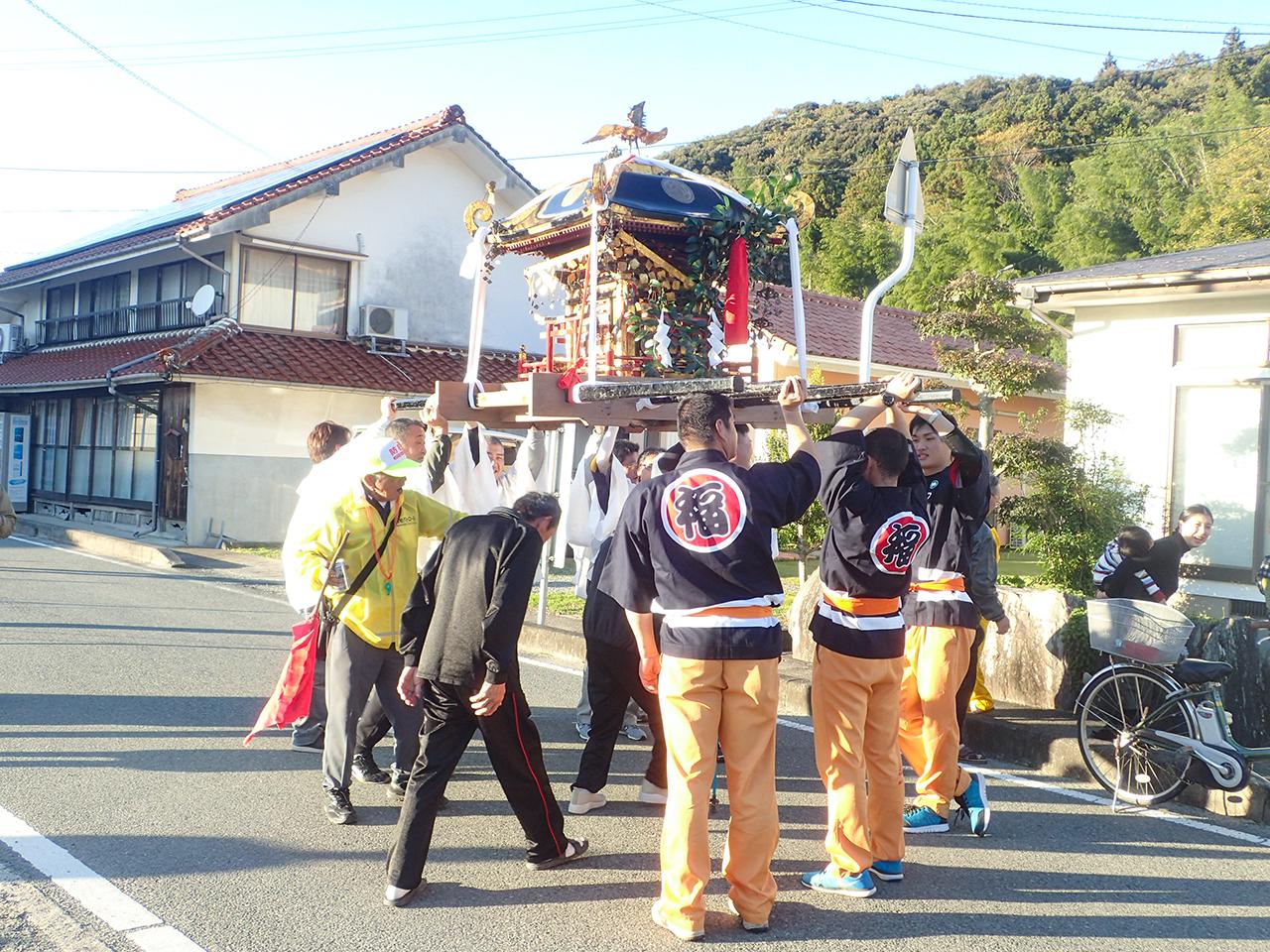 波積町の秋祭りに参加させて頂きました。